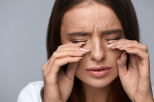 Чувство жжения в глазах: причины и лечение