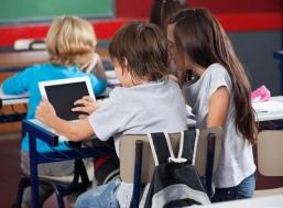 Назад в школу: как вредят экраны электронных устройств зрению детей