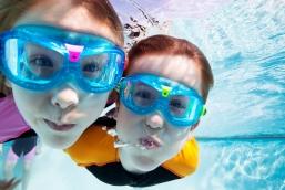 Вредит ли хлорированная вода вашим глазам?